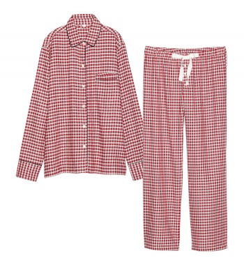 ホリデーシーズンに向けて、『GapBody 』からパジャマのセットアップが登場。フランネルコットンのソフトな着心地が病み付きに。¥6,900(Gapフラッグシップ原宿☎03・5786・9200)