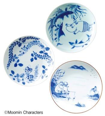 日本の伝統を再構築する『amabro』と『ムーミン』がコラボ。和風な小皿もムーミンたちと一緒なら日常に溶け込む。SOMETSUKE各¥1,575(amabro/村上美術☎03・3402・8484)