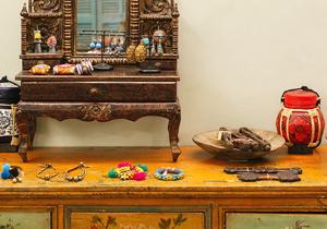 House of Lotus の上質で丁寧な服  美しい手仕事の小物。
