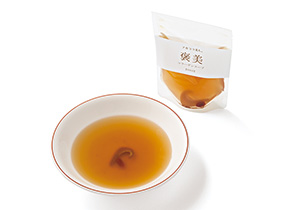 気仙沼産の良質なフカヒレを使った、きれいを育むスープ。