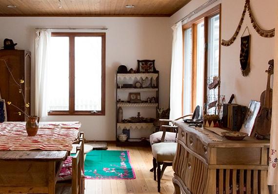 クリエイター夫婦の理想の住まいゆったりと人生を楽しむ東欧の暮らし。
