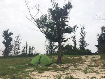 話はまったく変わりますが、GWに宮古島に行きました! マナーもこのテントのように必要最小限で身軽なものにしたいです。