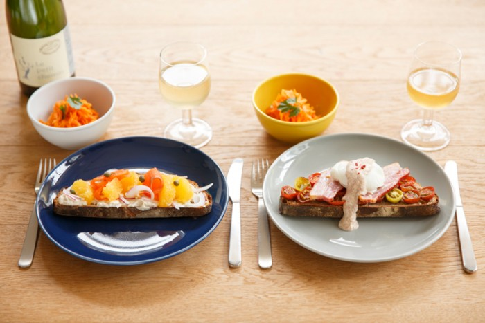 トトスクキッチン ピンクペッパーソースでつくる2種のタルティーヌ。