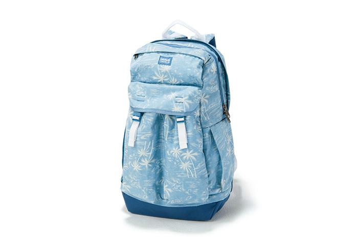 短い夏を満喫するなら季節に合ったバッグを持とう。