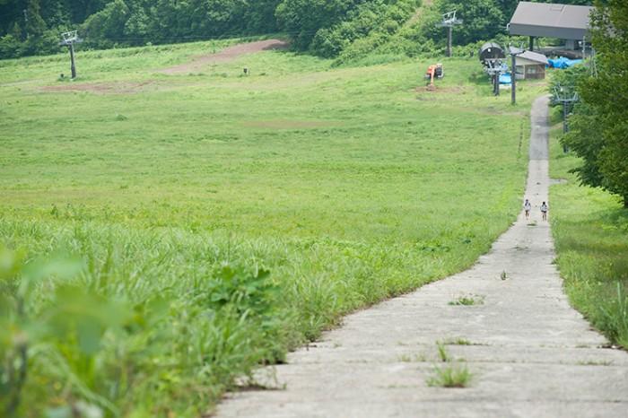 特訓で使用された坂。21%を超える急勾配で、斜面に直立するだけでアキレス腱が伸びるとか、伸びないとか。