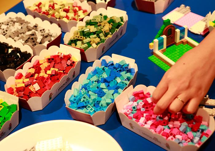 大人が夢中になれるレゴ®教室を体験。