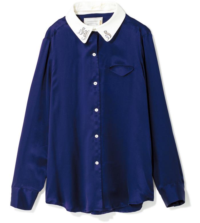 お気に入りの文字を刺繍して、自分仕様の特別な一着に! シルクのノーカラーブラウスと、つけ衿のコーディネート。つけ衿には好きなアルファベットの刺繍を入れられる。ブラウスはホワイトもあり。¥32,000 つけ衿¥9,000(スレトシス/H3O Fashion Bureau☎03・6438・9710)