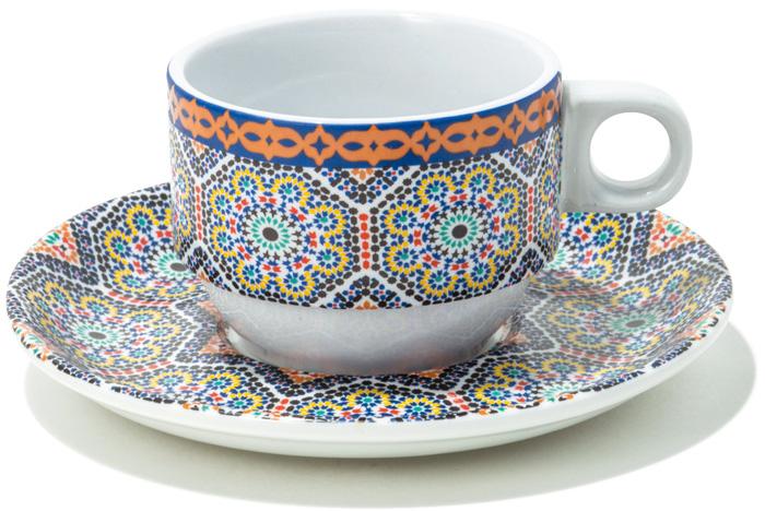 まるで旅に出たような気分が味わえる、モロッコの器。 モロッコのセンスある雑貨をセレクトする『dar Fatima』のカップ&ソーサー。異国情緒溢れるデザインは、現地のホテルで使われているタイルの柄を採用したもの。¥3,500(ダールファティマ☎03・3406・8200)