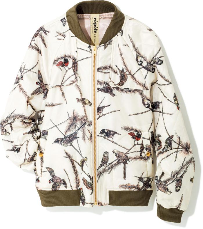 甘めに着こなしたいなら、鳥モチーフがおすすめ♥カーキ色の衿と裾に、鳥のイラストをON。優しい印象のブルゾンは、ロングスカートとも相性◎。つるんとしたキルティングの素材も女性的。¥32,000(リストワール ス レペテ /フラッパーズ☎03・5456・6866)