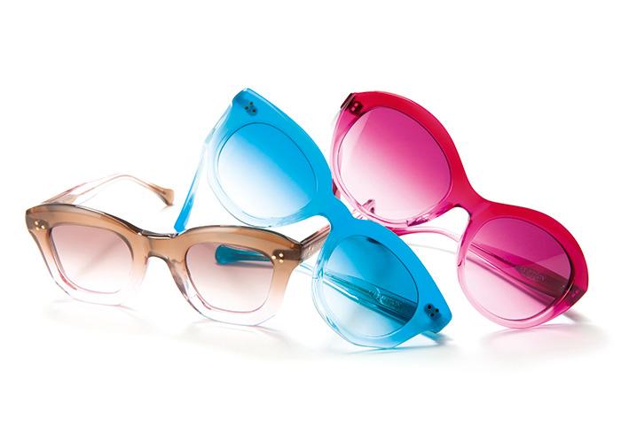 意外と強い秋の紫外線から可憐に目元を保護すべし。