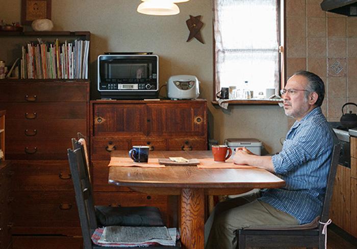 工房とギャラリーを併設した 木工作家の住まい