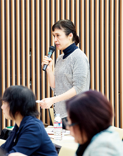 質問タイムには、参加者から次々と手があがり、関心の高さが窺えました。