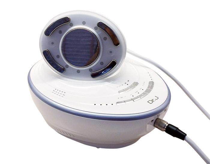 キャビテーション機能にRF 4モード高周波、LDライト、LEDを備えた最新のマシン。