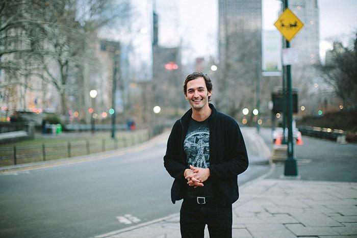 フューチュロロジーのスターのひとり、ジェイソン・シルバ。本誌では、限りない未来の想像の仕方を教えてくれる。