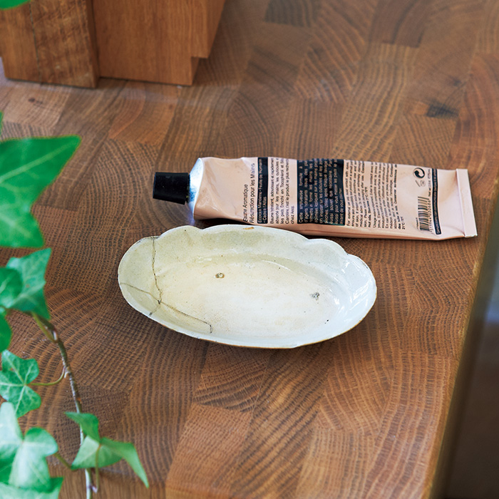 陶器の楕円小皿