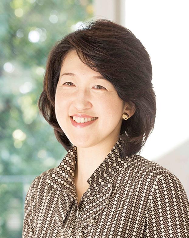 昭和女子大学大学院生活機構研究科博士課程修了、博士(学術)。大豆が女性の健康におよぼす影響について研究。QOL向上のための大豆の取り入れ方を提案している。