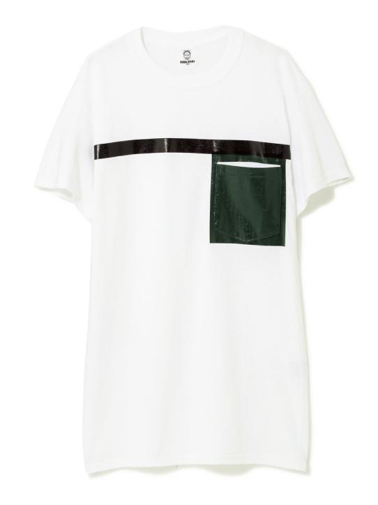 Tシャツ ¥5,000(トーガ オッズアンドエンズ/レイ ビームス 原宿☎03・3478・5886)