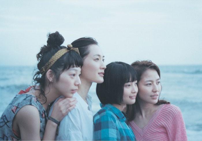 瀧本幹也がカメラに収めた写真集「海街diary」