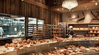 存在感たっぷりで主張するパンの名店が広々空間に!たま木亭
