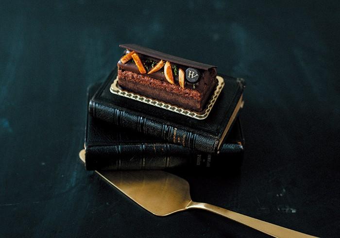 がつんと濃密、なのにヘビーでない「ユーゴ ショコラ」¥780。繊細なスパイス使いは、レストランのキュイジニエをしていたユーグさんならでは。
