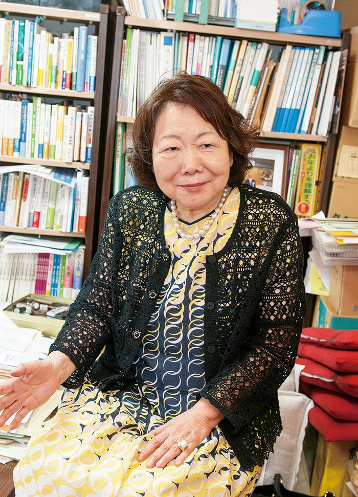女性の社会進出や介護問題のオピニオンリーダーとして活躍、年間約100回の講演をこなす。著書に『大介護時代を生きる』ほか多数。