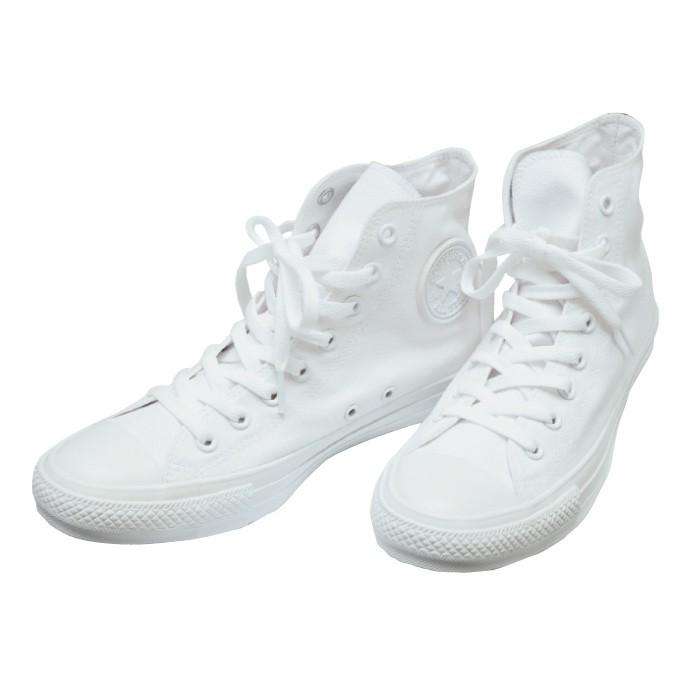 店舗限定販売のオールスター6000円は全てが真っ白! カスタマイズももちろんいいけれど、このままでも十分素敵。