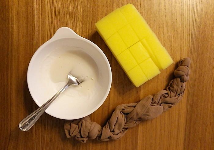 大掃除で使うひみつ道具の数々。重曹ペースト、マンゴーカットスポンジ、三つ編みストッキング…使い方は本誌にて!
