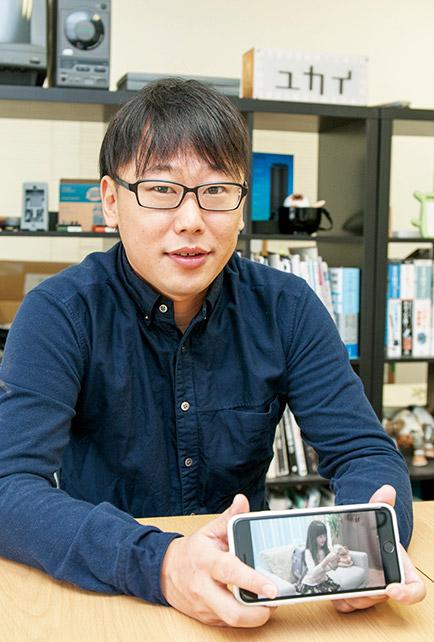 東大発のベンチャー企業「チームラボ」創始者の一人。ロボット開発に専念するため同社を辞め2007年にユカイ工学を設立。