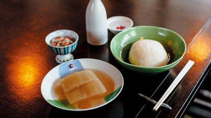 FOOD NEWS vol.83 平野紗季子のMY STANDARD GOURMET 『善知鳥(うとう)』のおでんとお燗