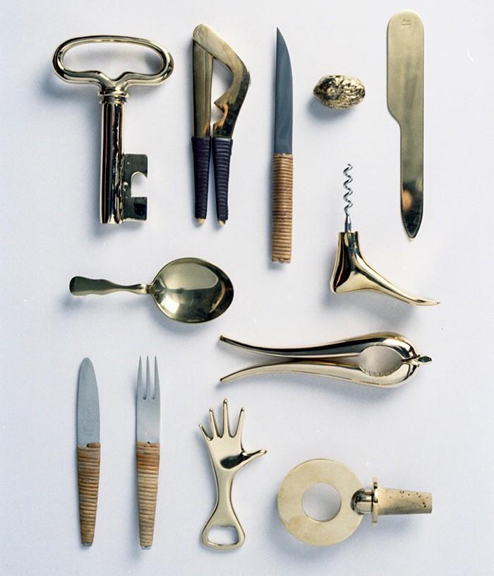 カール・オーボックの道具はその多くが真鍮でできています。使っているうちにいい味出ます。