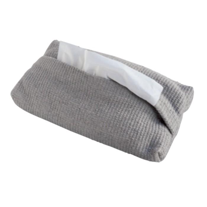 麻を太織りして作られた「つちや織物所」のティッシュケースは、やわらかい手触りで「くるみの木」でも人気の一品。7963円。