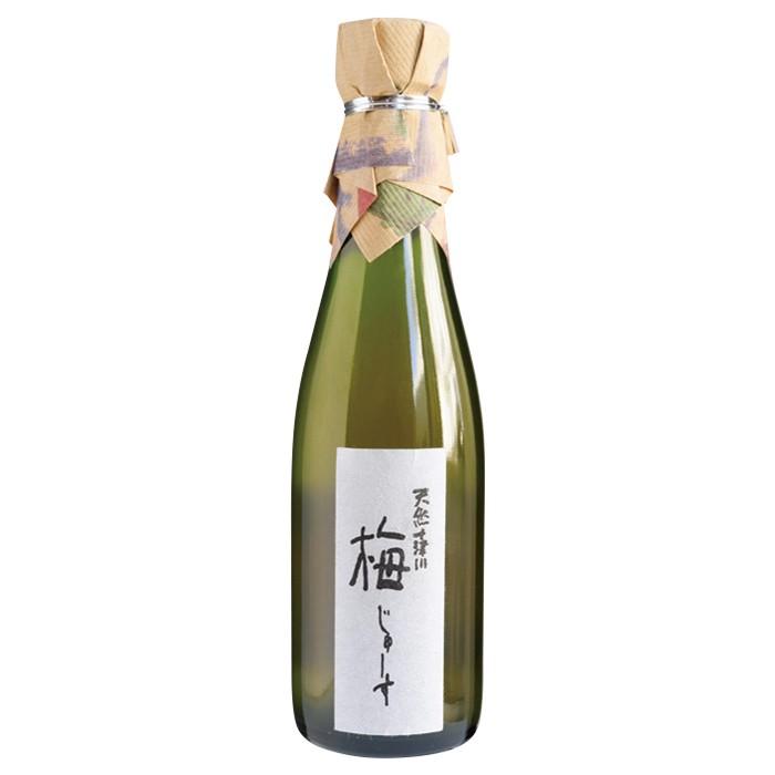 完熟梅と砂糖のみで作られるすっきりとした飲み口の梅のジュース。天然十津川 梅じゅーす600円。