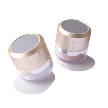 ナチュラルホワイトニングミネラルパウダーサンスクリーンSPF50/PA+++ 全2色 各6300円(エムアイエムシー ☎03・6421・4211)