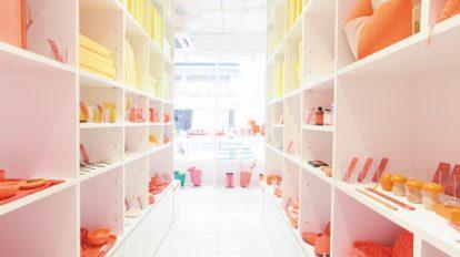 CORAZYs (カラジー)表参道本店Made in Japanのカラフルな雑貨たち。
