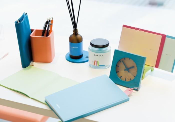 店頭には、実際に色のバランスを組み合わせて体感できるコーナーも。