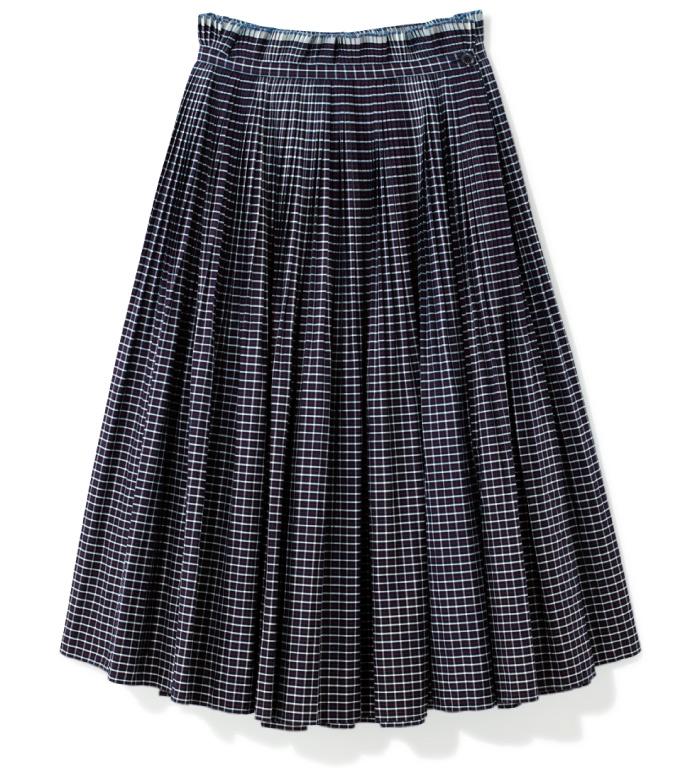 スカート ¥38,000(ビューティフル ピープル/ビームス 新丸の内☎03・5288・7670)
