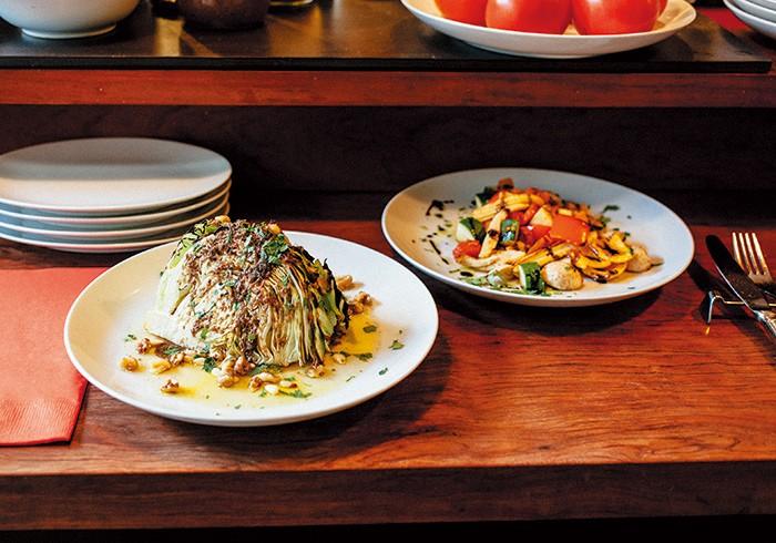 キャベツの丸焼き¥700 焼き野菜のマリネ¥1,200※内容は季節、仕入れによって写真とは異なります。