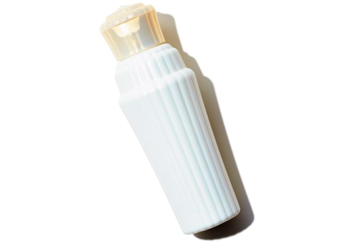 クリアフォーミングミルク 150㎖¥2,800(アユーラ ラボラトリーズ☎0120・090・030)