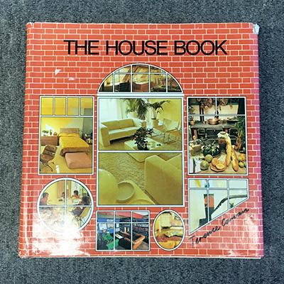 『ザ・ハウス・ブック』の表紙と「ライト」のページ。