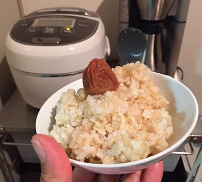そして炊きたての玄米ごはん。キラキラではないけど、ずっとそばにあるものが、私にとっての「誠実」。
