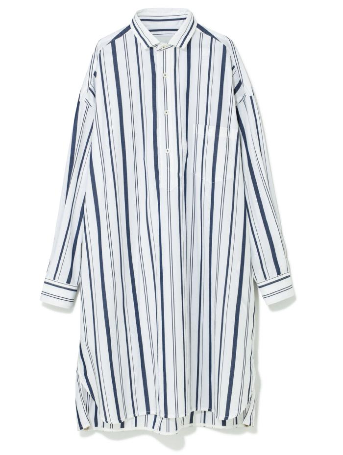 ロングシャツ ¥26,000(ティッカ×アーバンリサーチ/アーバンリサーチ 神南店☎03・6455・1971)