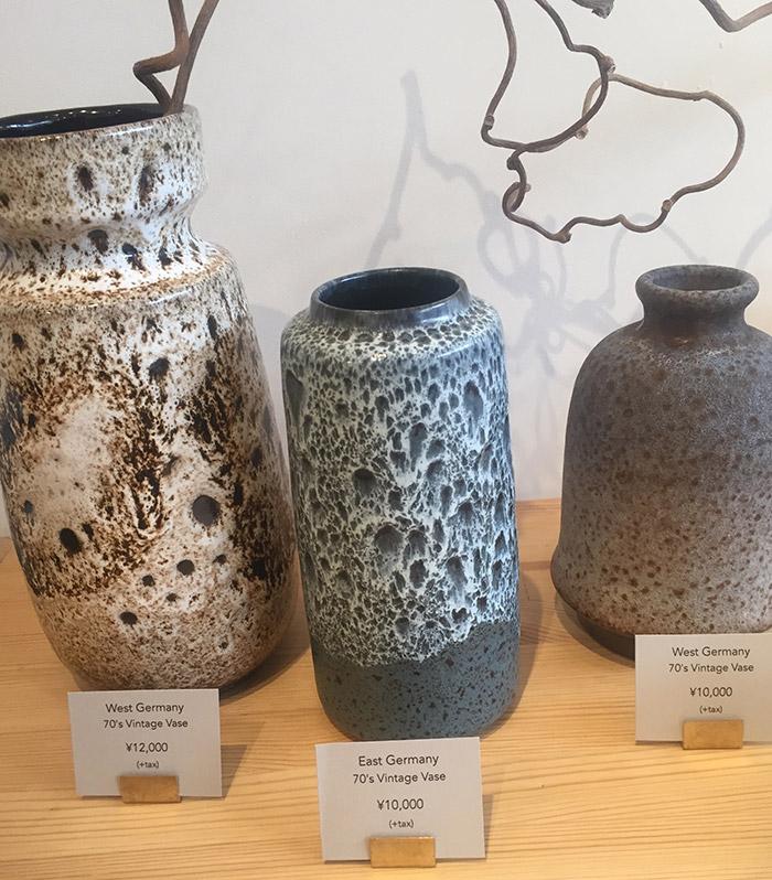 金沢の〈WHOLE〉で見つけた西ドイツ製の花瓶。「FAT LAVA」と呼ばれる、溶岩のような釉は70年代の西ドイツ製の瓶に見られる意匠で、世界中に収集家がいるそう。そんなの全然知らなかった!