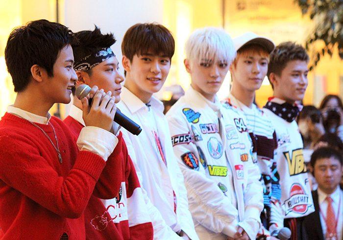 左からマーク、テン、ジェヒョン、テヨン、ドヨン、テイル