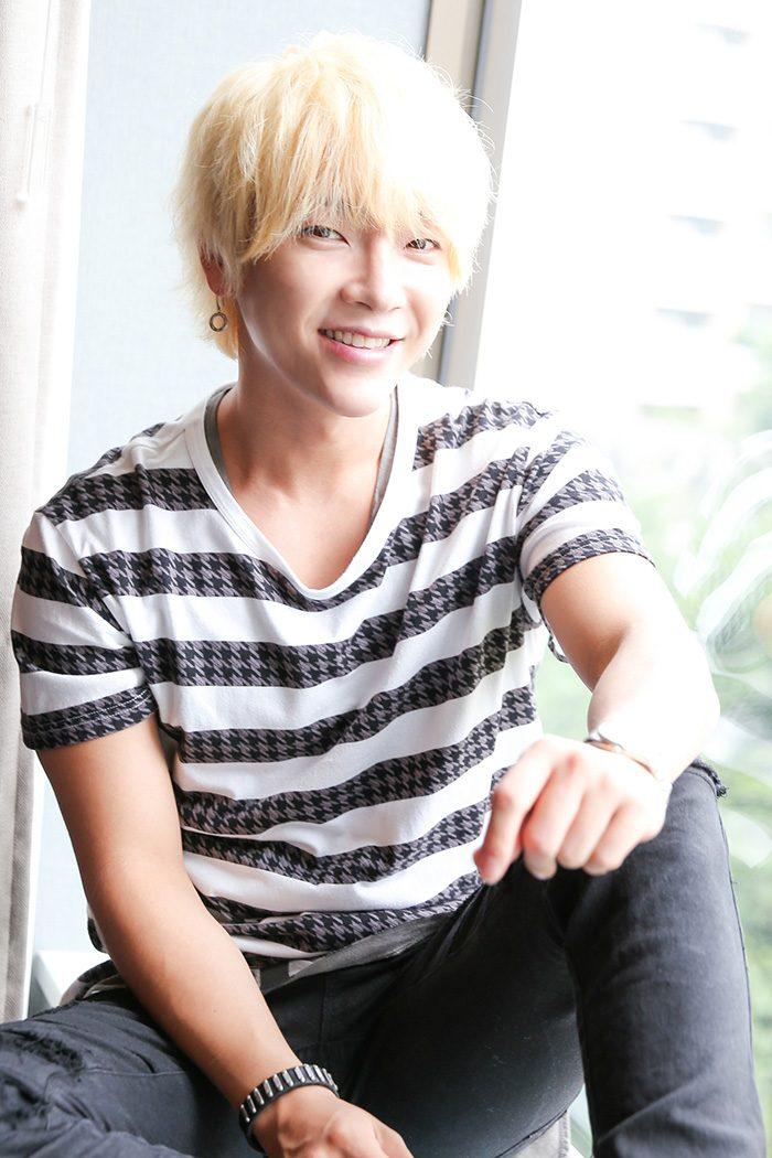 日本デビュー7周年を迎える今年。いまや日本活動を目指すK-POPアイドルたちの、頼れる先輩的存在に。「慕ってくれる後輩も増えました。メンバー全員で仲がいいのはZE:AとU-KISS。後輩ではないですが、JYJのジェジュンさんとも個人的に仲がいいです」