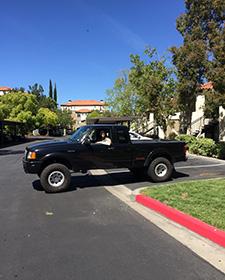 細身で優しいヴィンセントの愛車はフォードのピックアップトラック。見かけによりません。