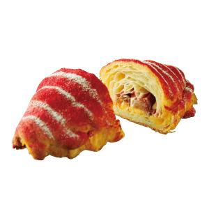 「ル パン ドゥ ジョエル ロブション」フランス産 赤桃のクロワッサン443円(各税込)。