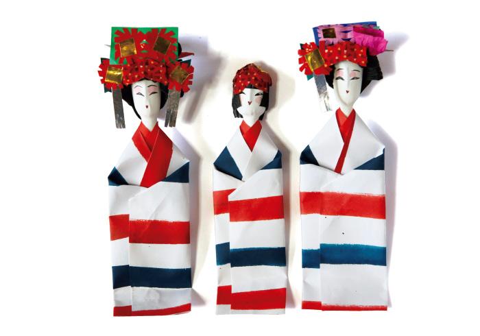 姉様人形1,620円(島根県物産観光館☎0852・22・5758)。