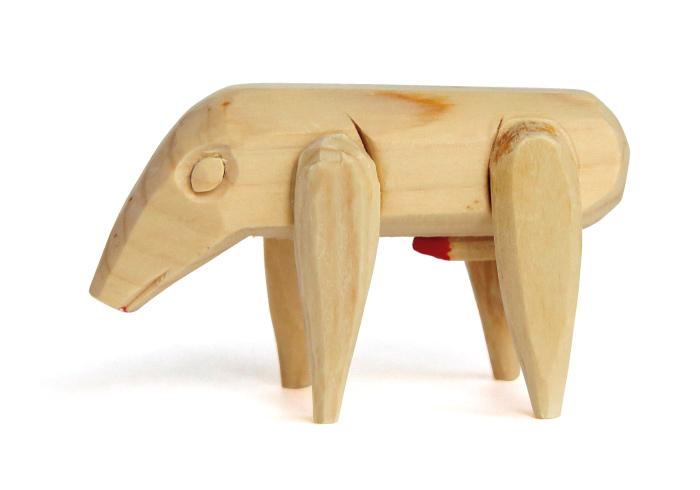 木彫りの犬3,500円(針綱神社☎0568・61・0180)。