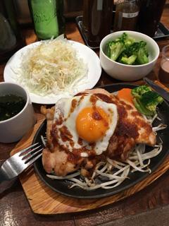 マッスルボーイは食事にこそ、気をつけなければいけないのです。まずは六本木の『筋肉食堂』を知っておこう。鶏胸肉がジューシー! そして、高タンパク・低糖質・低脂質!
