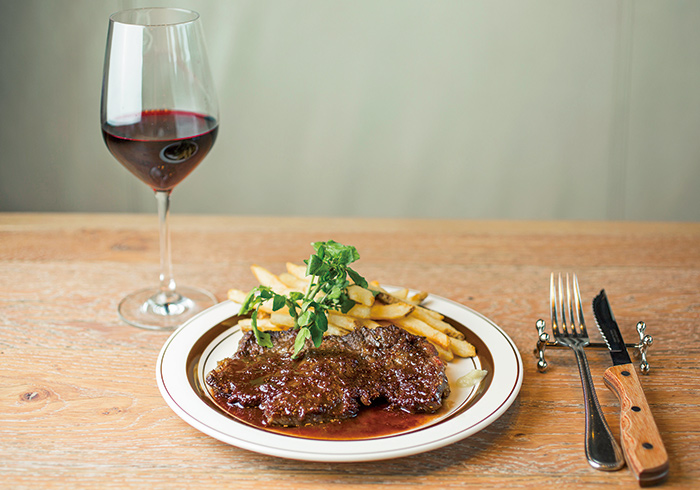 「蒜山ジャージー牛のシアター風ステーキ」